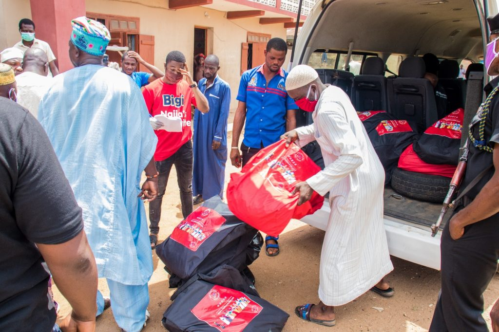 Delivering packages to families in Ososa town