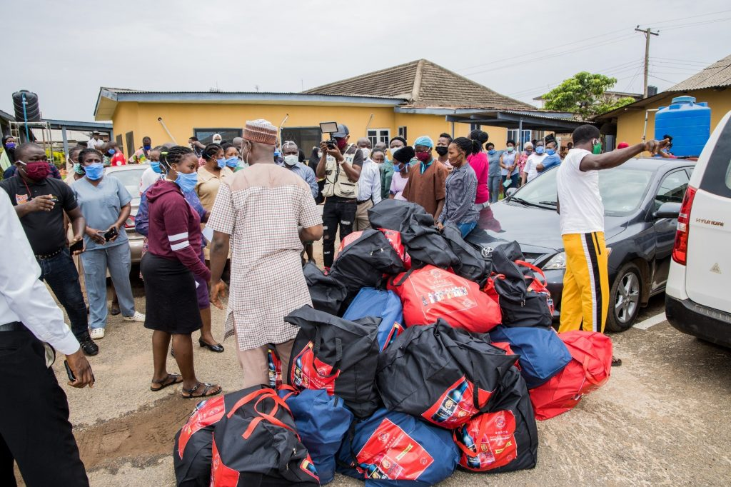 Food relief package to General Hospital, Ijebu Ode 2
